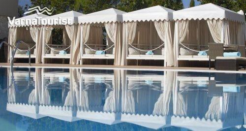 Оферта за почивка на море в Халкидики за Лято 2017 нощувка със закуски и вечери и отстъпки за ранно записване